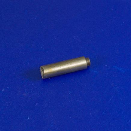 Ось шестерни привода кикстартера скутер 2Т TB-50 (D8/D12 x 46 мм.)