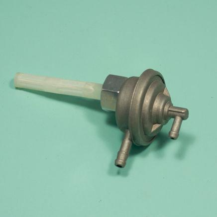 Бензокран скутер 2-4Т QT-50, QT-3, Хонда (клапан вакуумный М16, 2 соска)
