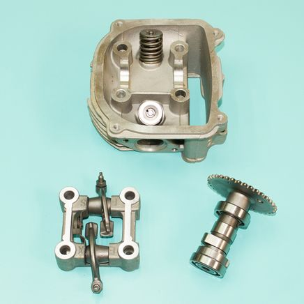 Головка скутер 170 куб. (D61 мм. корпус, клапана, распредвал, коромысла, БЕЗ КРЫШКИ) 157QMJ