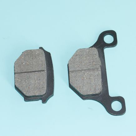 Колодки скутер 125-150 куб., TTR250R задние (дисковый тормоз, без крюка)