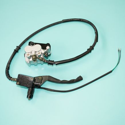 Тормоз дисковый скутер 4Т QT-4A (суппорт ЛЕВЫЙ, ГТЦ машинка правая, шланг)
