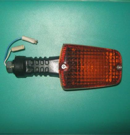 Поворот Иж Орион (1 шт. фонарь-указатель, ЖЕЛТОЕ стекло, лампа, Китай)