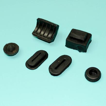 Набор резиновых деталей бардачка Иж (6 шт.)