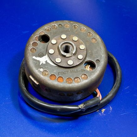 Генератор Иж Планета-5-01 (электронное зажигание, 5 проводов, без датчика, без коммутатора)