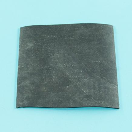 Резина маслобензостойкая (лист 130 x 130 x 4 мм., Россия, ГОСТ 7338-90)
